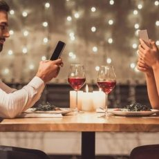 7 Types of Guys to Avoid When Dating Online